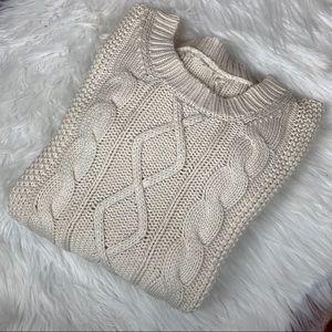 J Crew Cream Crew Neck Cable Knit Sweater 🧶